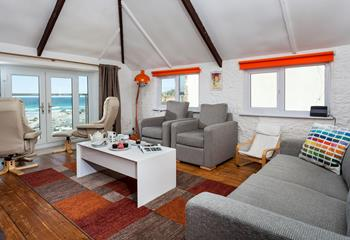 Focsle Down Under, Sleeps 6 + cot, Porthmeor.