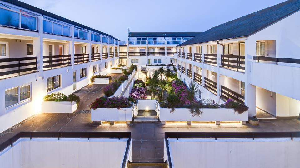 The St Nicholas Court complex is well maintained and looked after so that the complex is neat and tidy all year round.