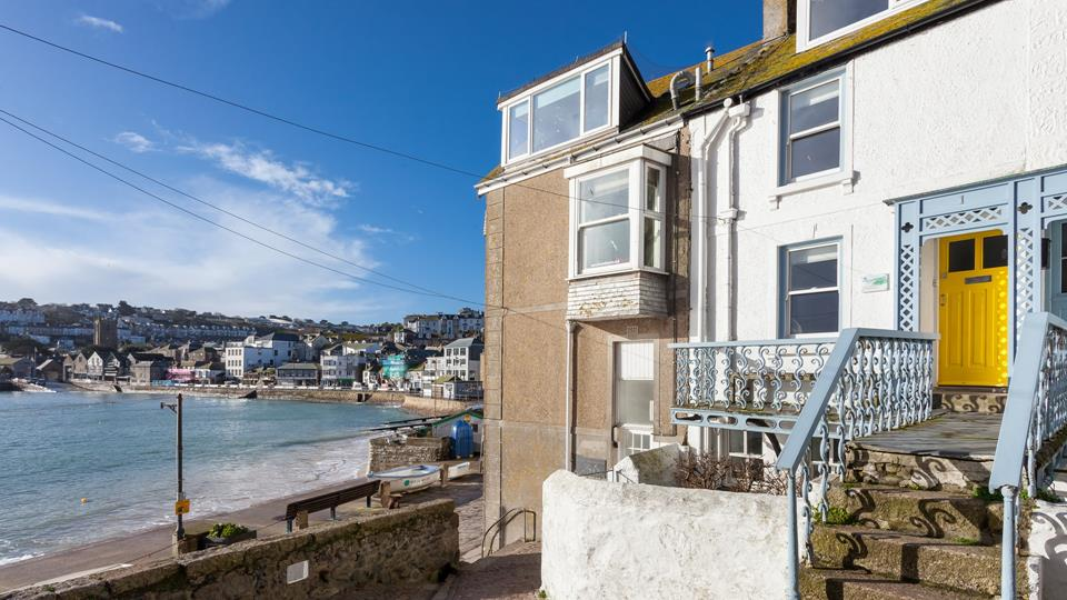 Right on The Wharf, 1 Mount Zion benefits from an incredible position to explore St Ives from.
