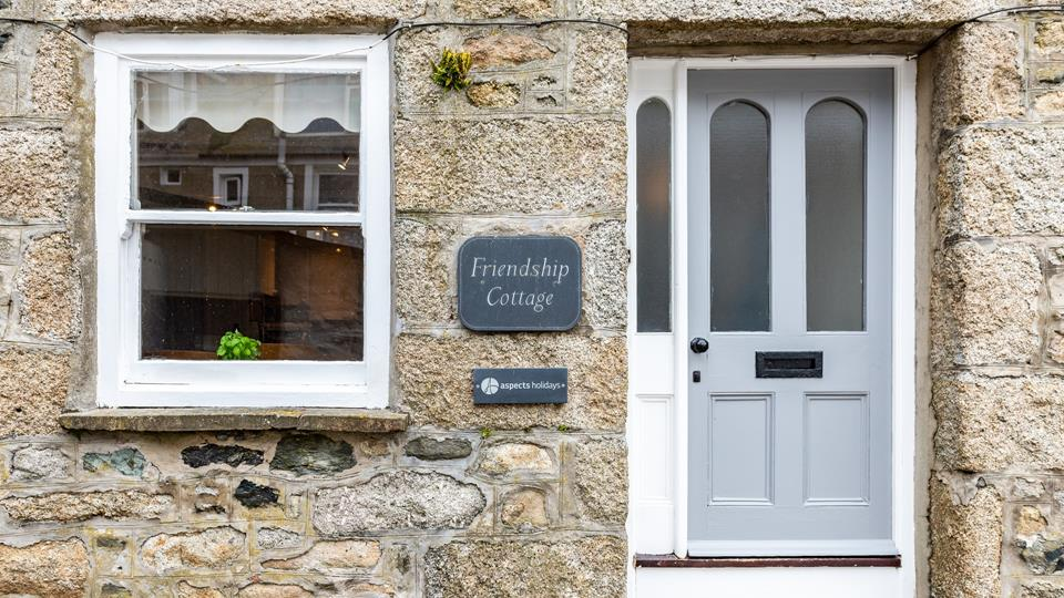 A traditional cottage which exudes St Ives history and atmosphere.