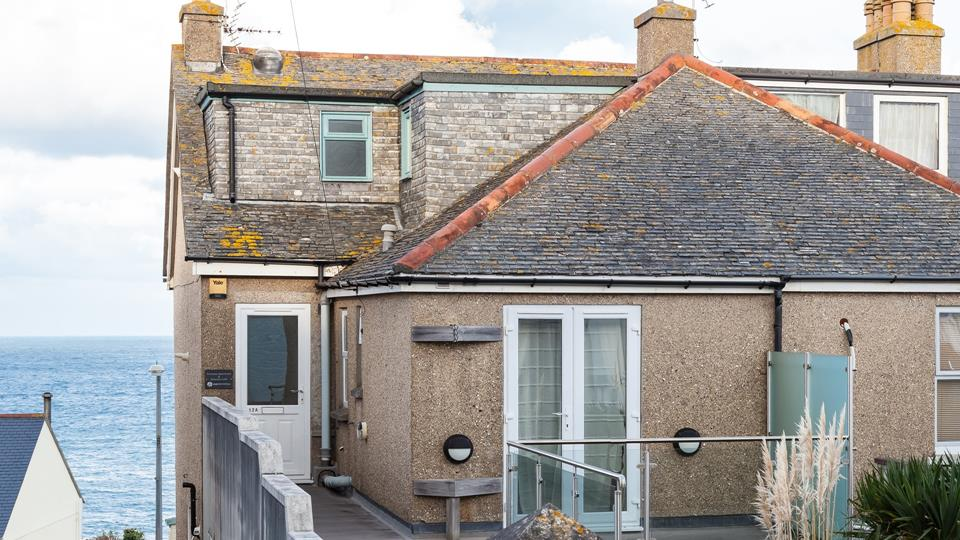 The property is set back from the hustle and bustle yet still close enough to have easy access to everything St Ives has to offer.