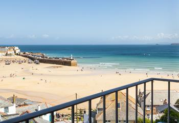 5 Fernlea Court, A room with a view in St Ives Town
