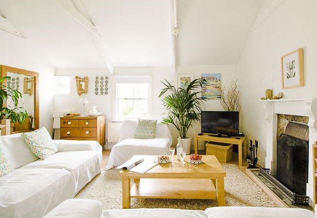 First floor, open plan sitting room.
