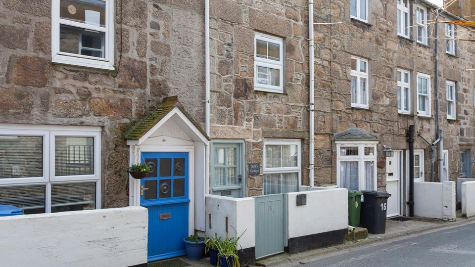 Close to everything St Ives has to offer, you're sure to create many magical holiday memories here.
