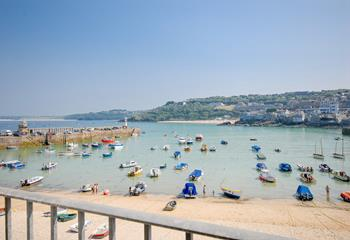 High Tide, The Wharf, Sleeps 4 + cot, The Wharf.