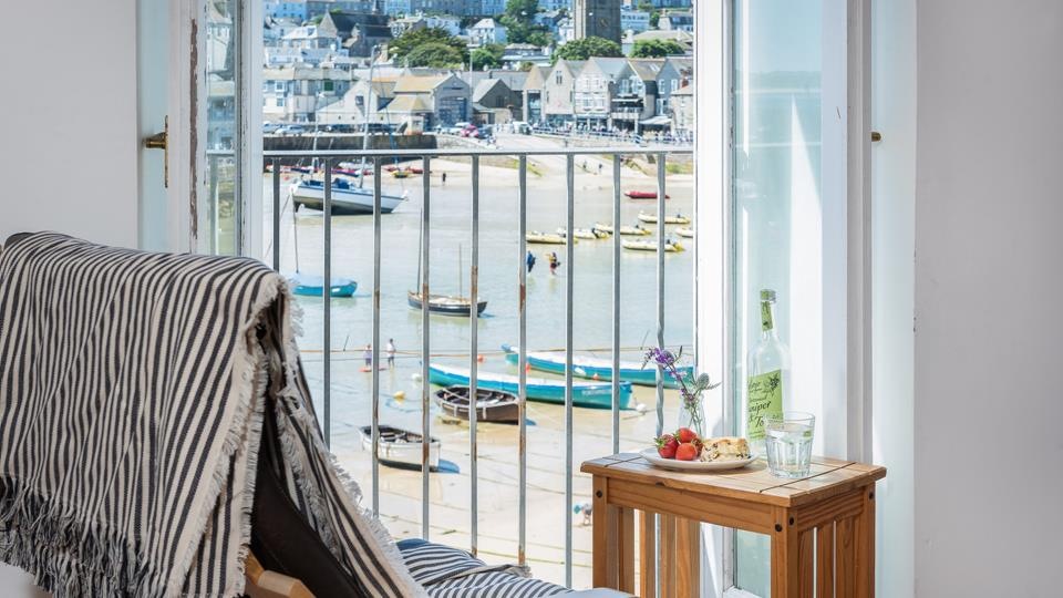 Juliet balcony with stunning harbour views.