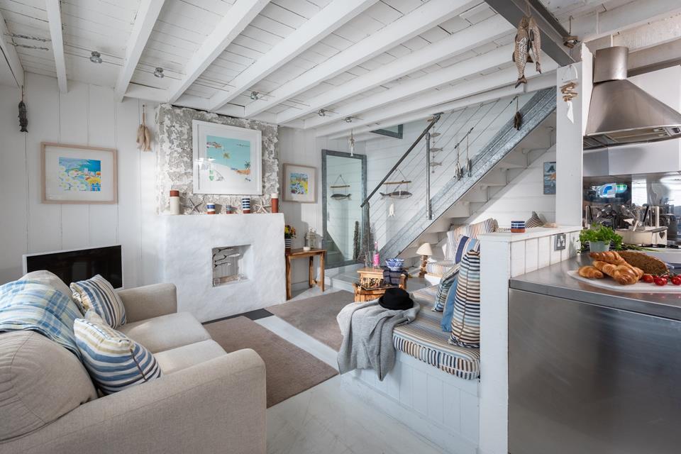 Open plan living/kitchen area.