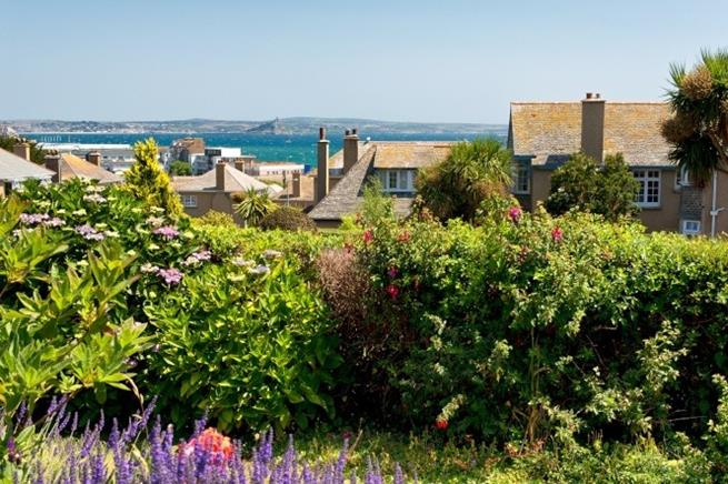 Stunning views to the iconic St Michael's Mount