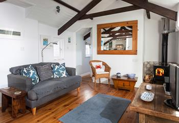Virgin Place Net Loft, Sleeps 2 + cot, Mousehole.