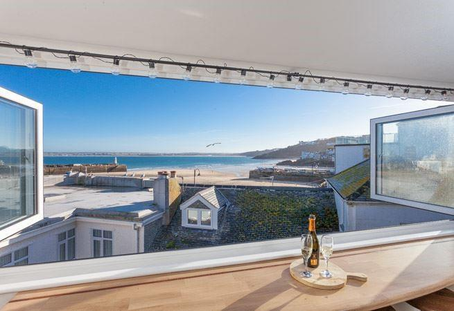 Second sitting room with fabulous harbour views.