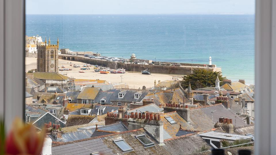 The property is perfectly located to explore all that St Ives has to offer.