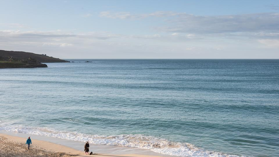 Perfectly situated close to Porthmeor beach.