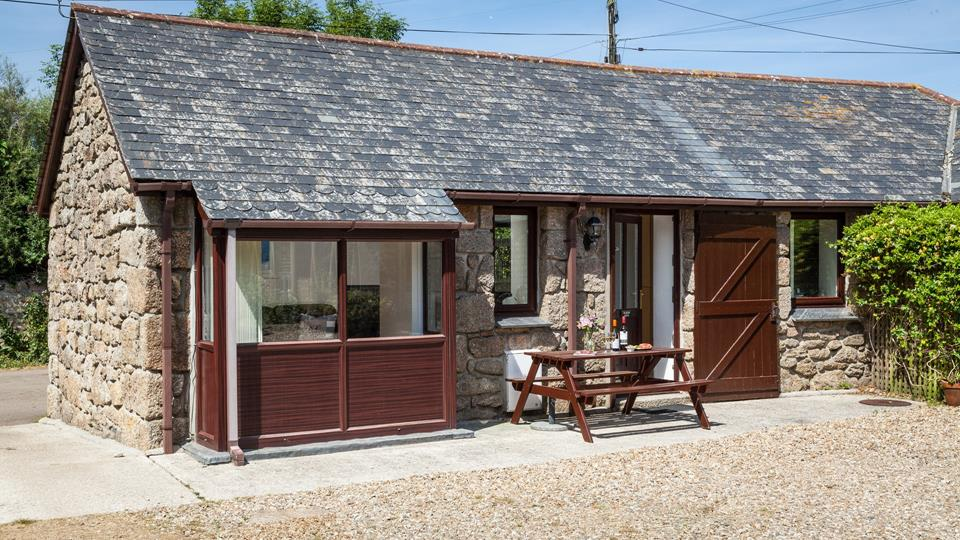 Holding House Cottage is a stunning cottage located in rural St Ives set at the bottom of Trencrom Hill the property is surrounded by beautiful walks.
