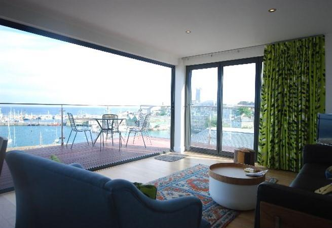 You won't be disappointed with stunning panoramic views from the living room