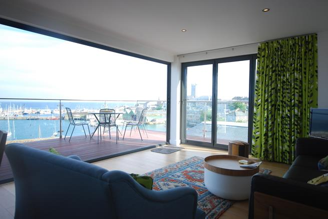You won't be disappointed with stunning panoramic views from the living room.