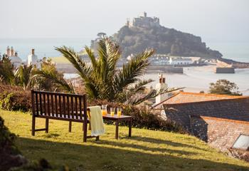 Lowenna View, Sleeps 4 + cot, Marazion.