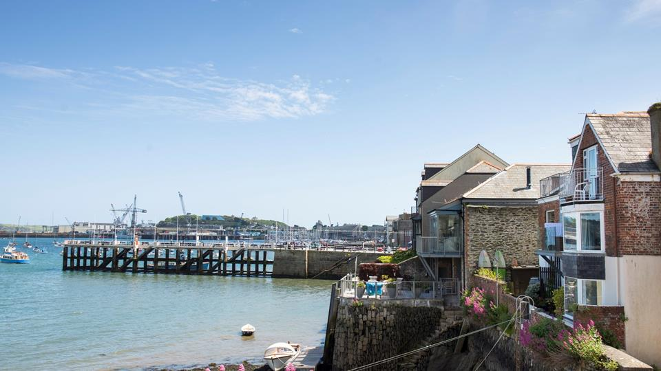 Have an afternoon stroll around the harbour and breathe in the fresh sea air.