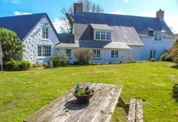 Condurrow Cottage in Helford River
