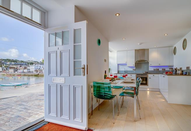 From 1 Harbour House you are only a few paces from the sea!