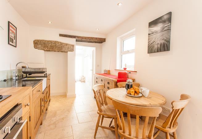 Modern kitchen breakfast room.