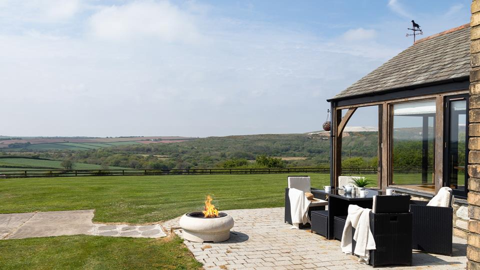 Snug Barn is surrounded by gorgeous countryside and is a great location for exploring all corners of Cornwall.