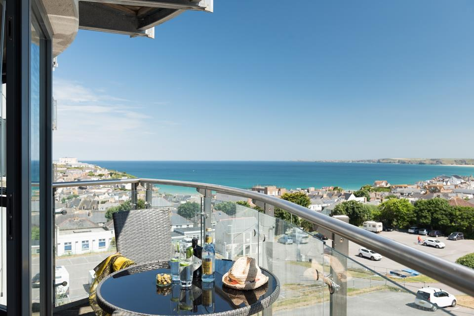 Located on the second floor, Coastal View has stunning views across the town and towards the north coast.