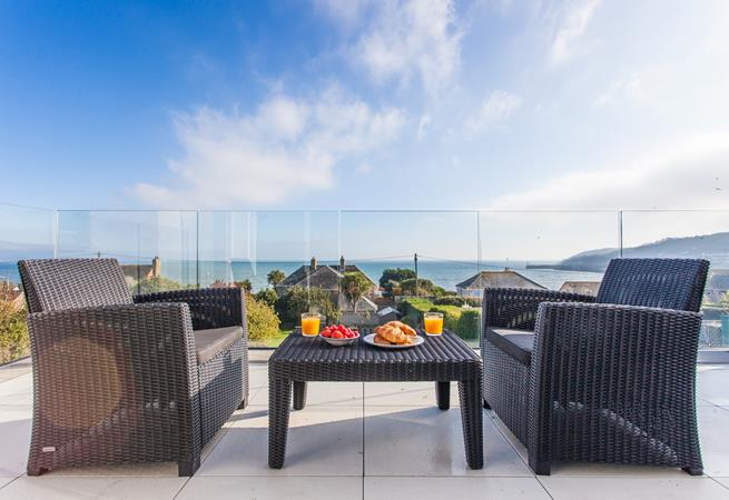 Start your day with a sea view al fresco breakfast.