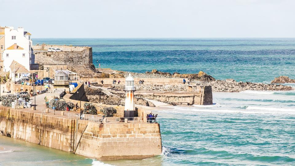 With everything St Ives' has to offer right on your doorstep, you can leave the car behind and make the most of the town on foot.