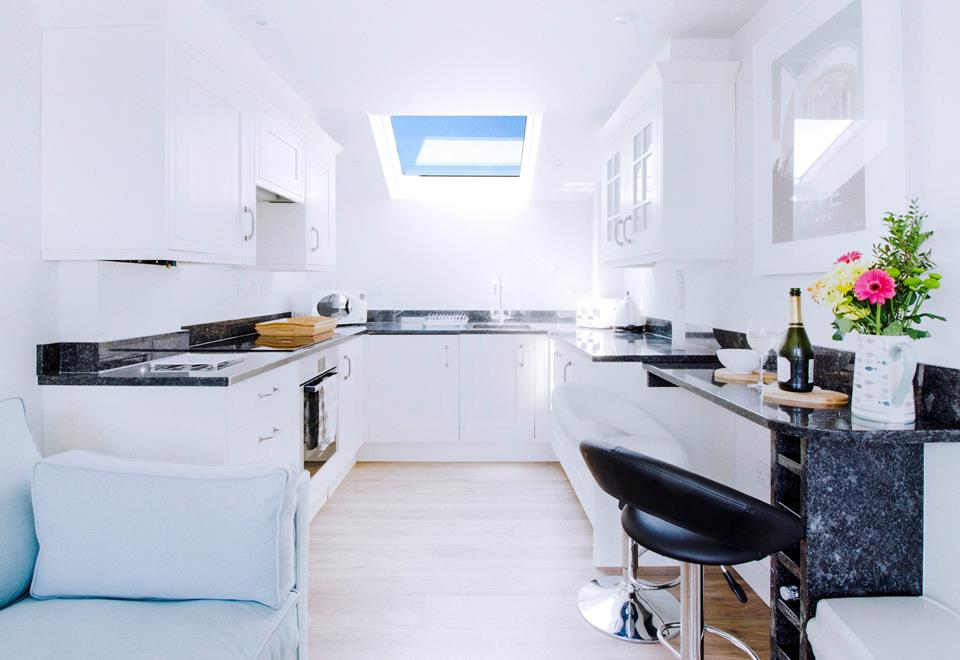 Well equipped kitchen with washer/dryer and fridge with freezer compartment