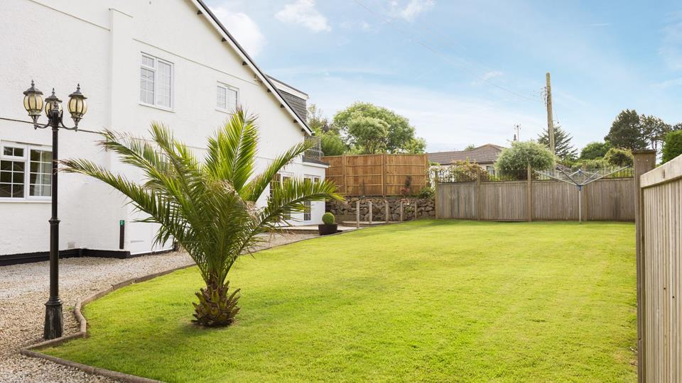 The pristine communal lawn.