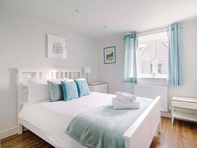 Beautifully presented double bedroom.