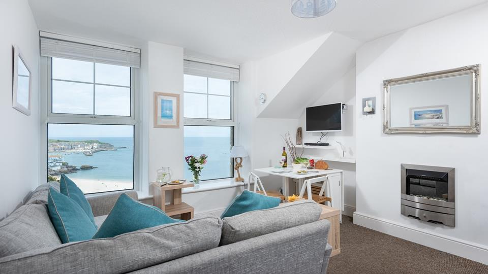 Cosy sitting area with fantastic sea views.