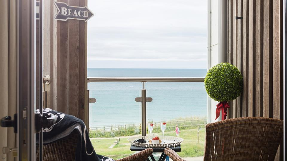 Take in the sea views from the balcony where you can enjoy a glass of your favourite drink whilst watching the surf.