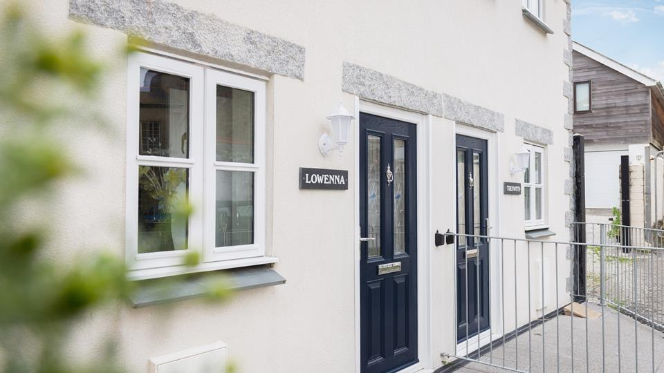 Lowenna is a mirror of Trenwith next door for additional guests if required.