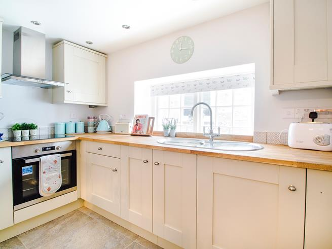 Rustle up a delicious feast in the modern, well equipped kitchen area.