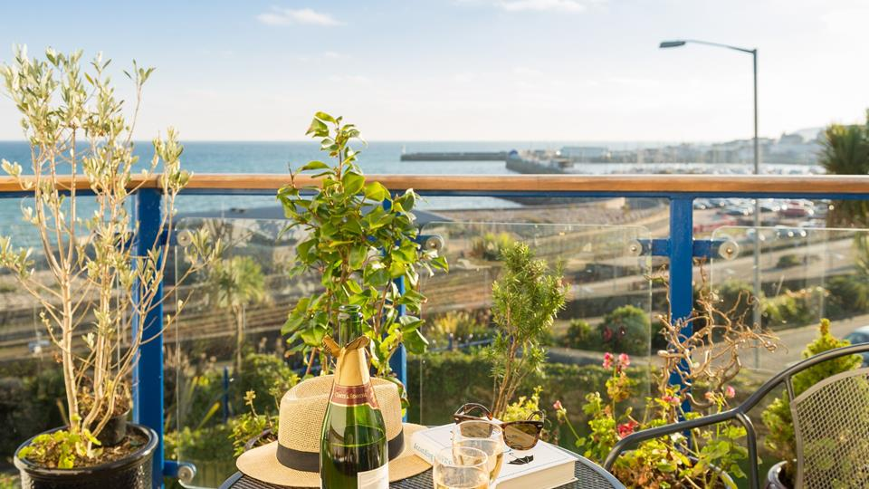Balcony has stunning panoramic sea views.