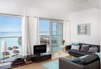 Onshore Apartment in The Wharf