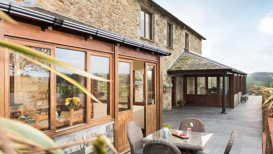 Little Hendra is attached to Hendra Barn, so for large parties wanting to holiday together, why not book both together!