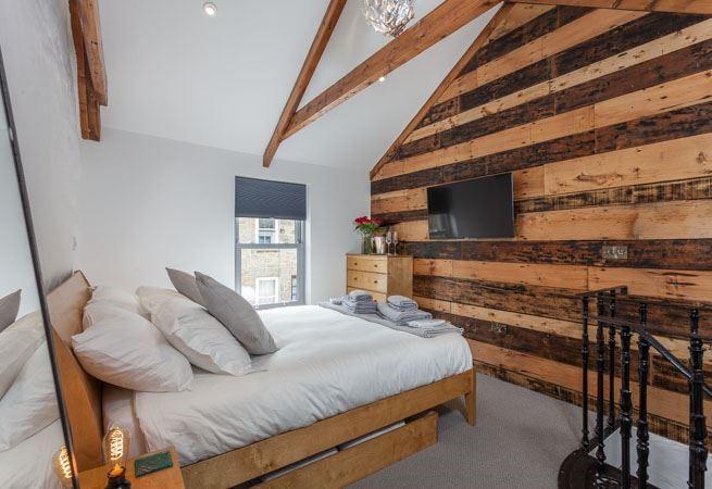 Double bedroom with en suite bathroom.