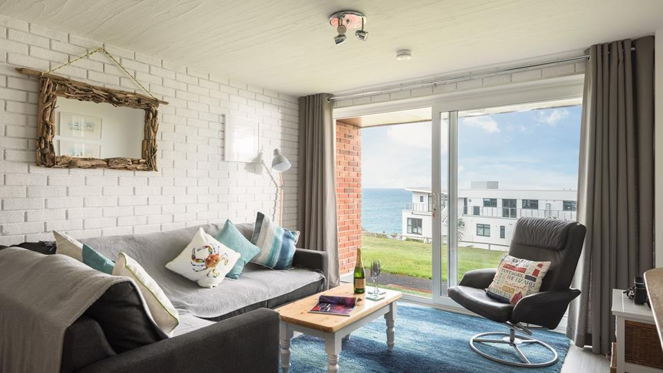Spindrift view is in an absolutely perfect location for beach lovers, with Fistral beach just minutes away.