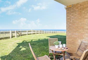 1 Headland Point, Sleeps 4 + 2 cots, Newquay.