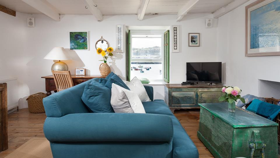 With its shabby chic style, 1 Quay Street boasts unique, nautical themed furniture wherever you look.