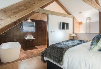 Corner House Loft, Sleeps 2, Mevagissey.