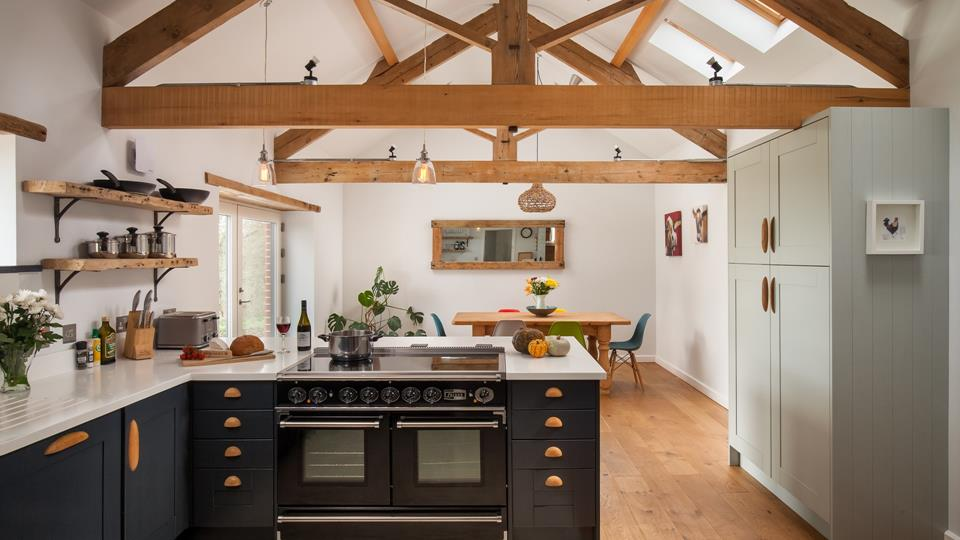 Cook up a storm in the gorgeous open plan kitchen diner, which has beautiful exposed beams and a spacious range cooker.