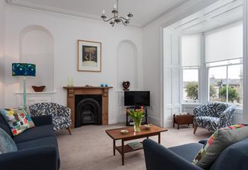Kenton House, Sleeps 7 + cot, Penzance.