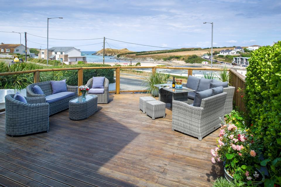 With plenty of seating on the decking, you can enjoy the afternoon sun and watch the world go by.
