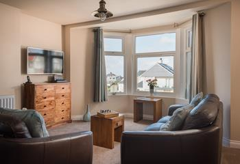 Bay Apartment, Sleeps 4 + cot, Newquay.