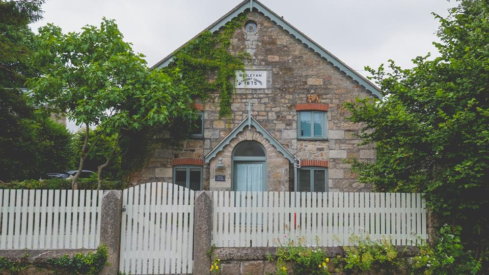 This picturesque cottage is situated in a rural hamlet in West Cornwall.
