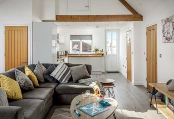 Links Loft, Sleeps 4 + 2 cots, Bude.