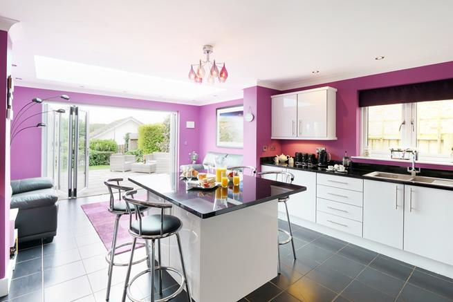 Well equipped kitchen with everything you need to produce some fabulous meals